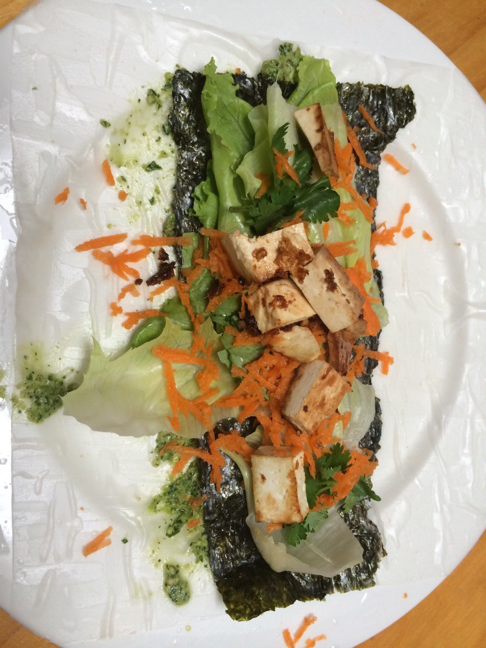 Rice paper rolls filled with marinated tofu, kale pesto and seaweed
